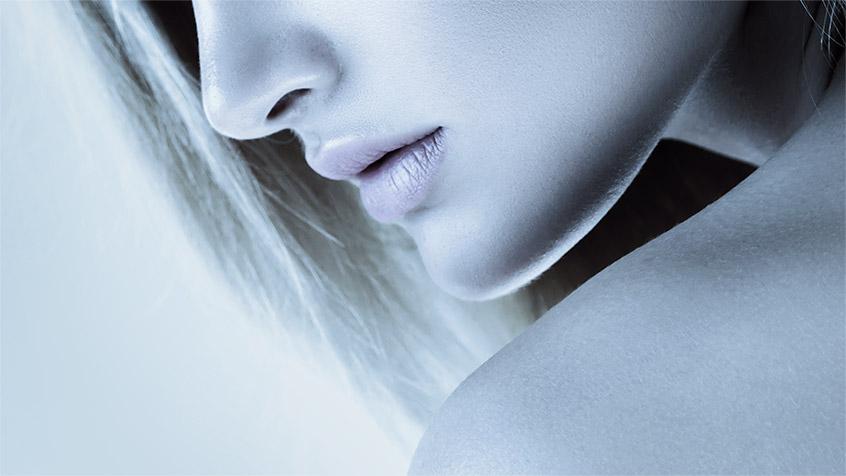 Tratamiento facial antiedad modelo.